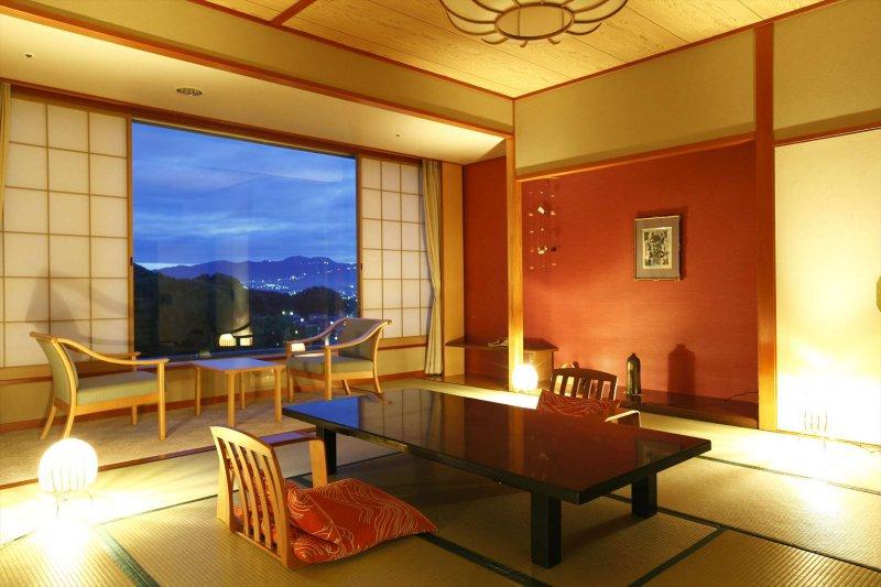 富士山や伊豆の山々が見える客室は、9種類の部屋タイプをご用意