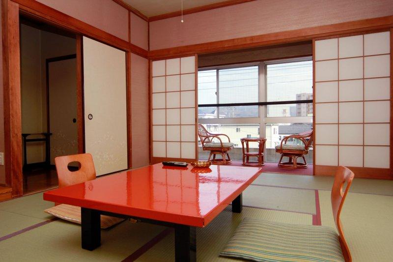 寛げる客室 和の空間に流れる贅沢な時間
