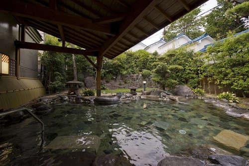 伊豆長岡の温泉は、無色無臭の弱アルカリ性単純泉